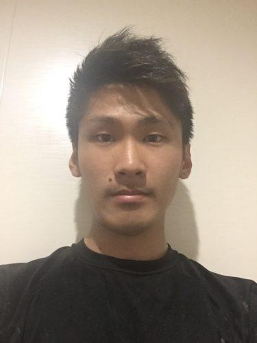 スタッフの顔写真